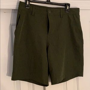 32 Cool LIKE NEW forest green Quick dry shorts